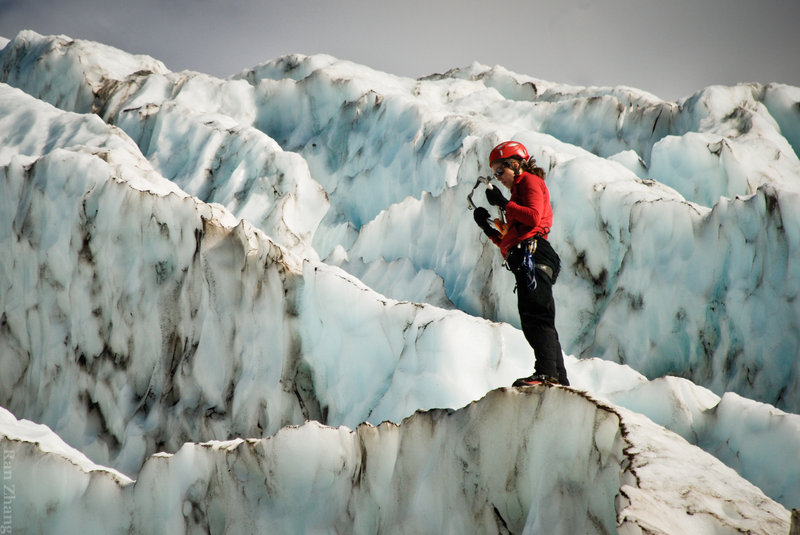 Ice Climbing at Mt Baker Icefalls. Photo: Ran Zhang