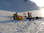 Setting up camp on the icemantle glacier