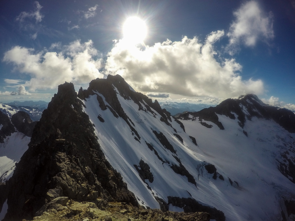 The long east ridge of Serratus with its steep north face on the right. Photo: Matteo Agnoloni