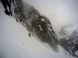 Traversing below the North Face. Photo: Matteo Agnoloni