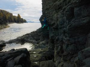 Sea cliff bouldering, ft. Kelsey