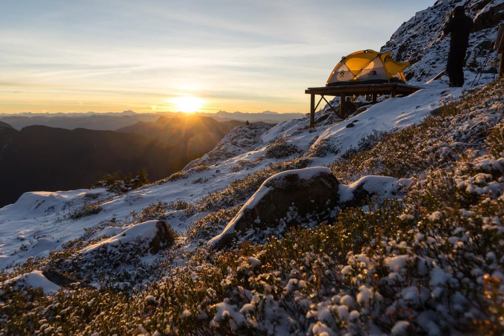 Golden morning light over the campsite. @ChangCJ_