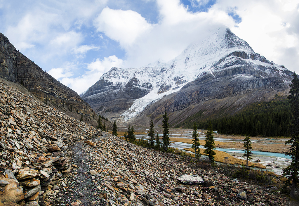 The slopes of Mount Robson on the final approach to Berg Lake.
