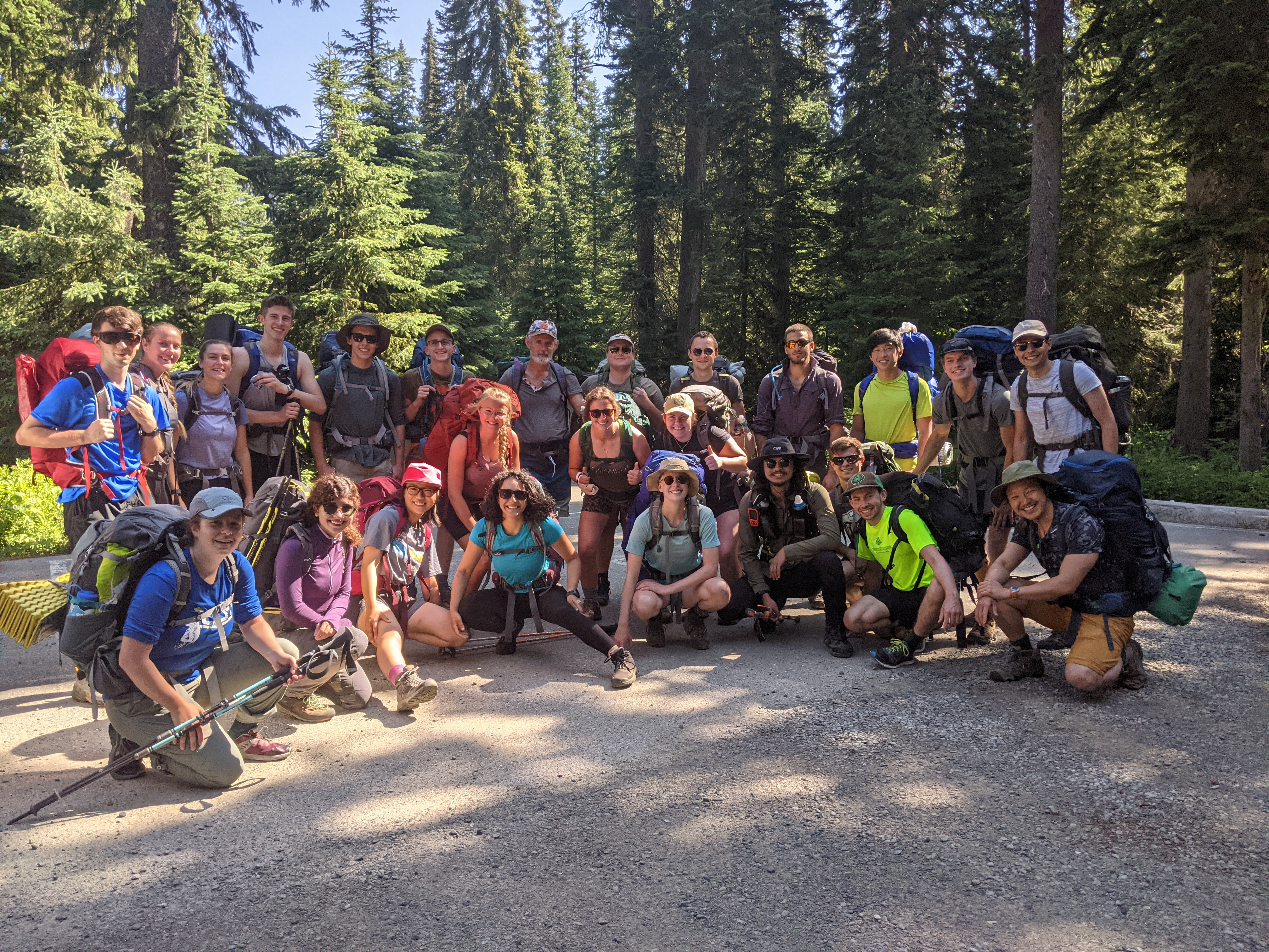 Our full Skyline crew at the trailhead
